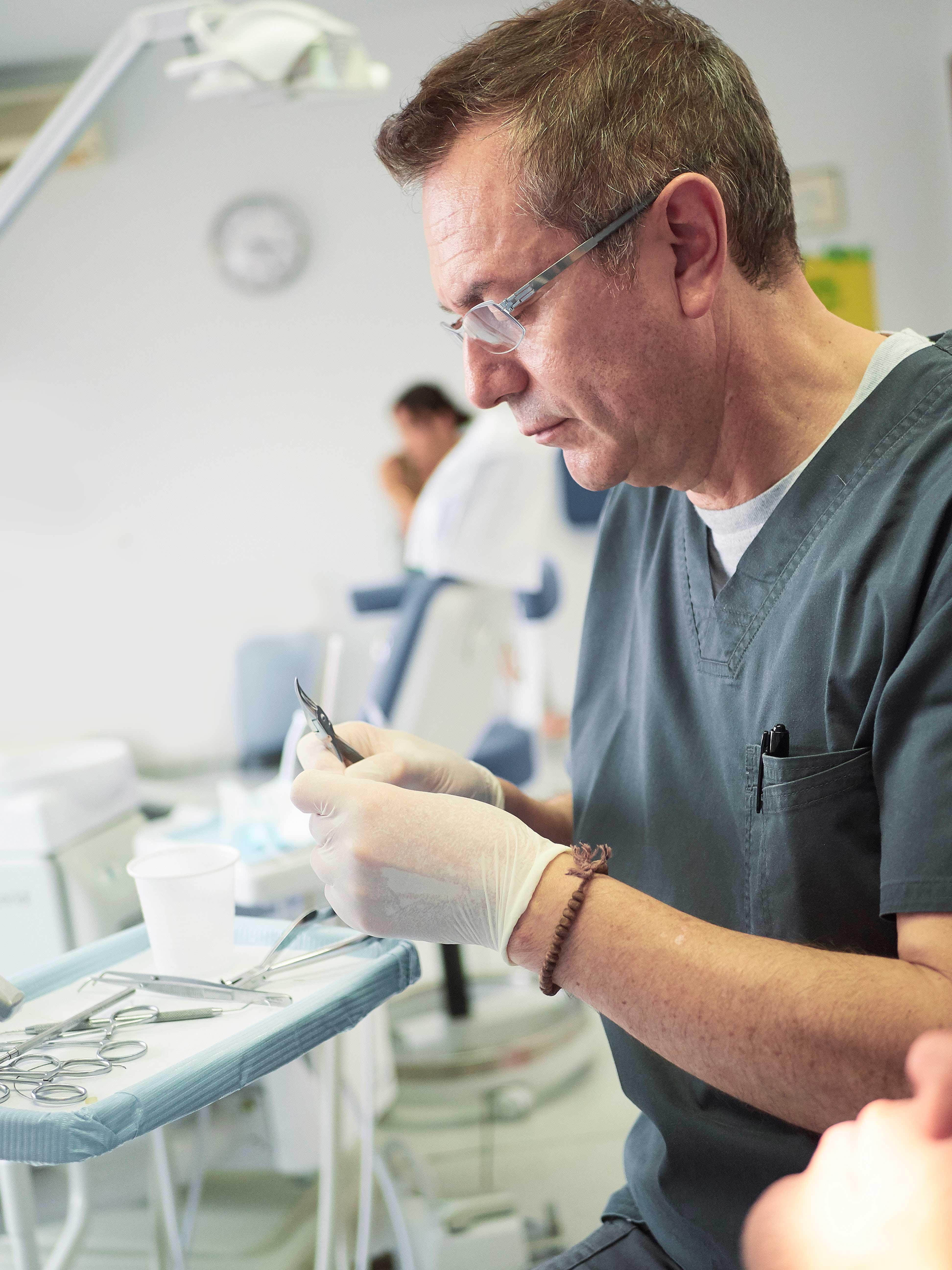 Clinica-6.2 conoce al equipo dentista Valladolid Ricardo Cartagena